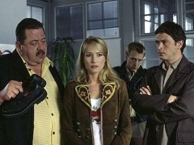 Die Rosenheim-Cops Season 5 :Episode 8  Auch sonntags wird gemordet