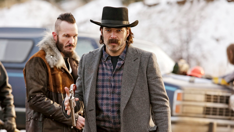 Wynonna Earp Season 1 :Episode 7  Walking After Midnight