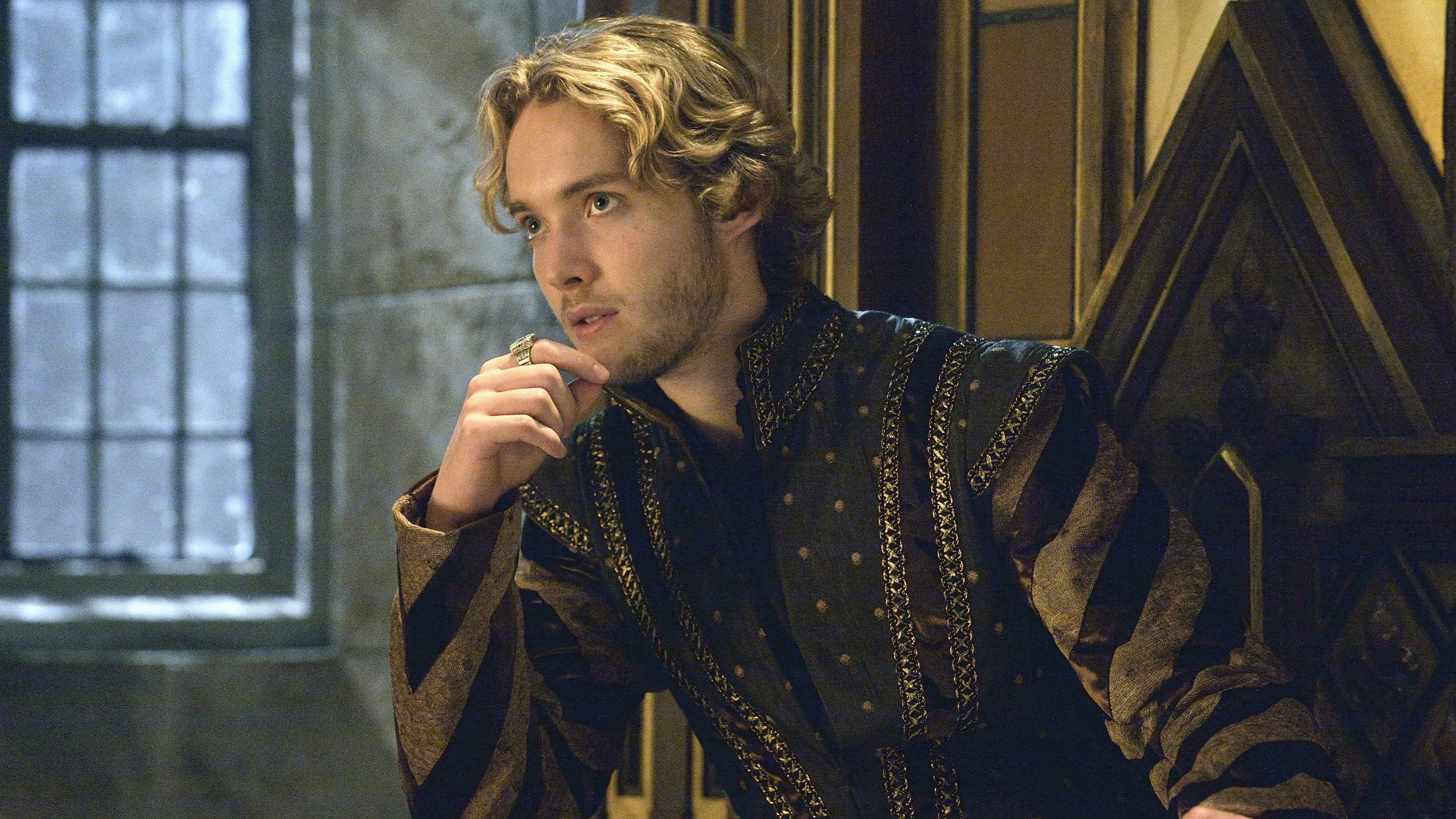 how to watch reign season 2 online