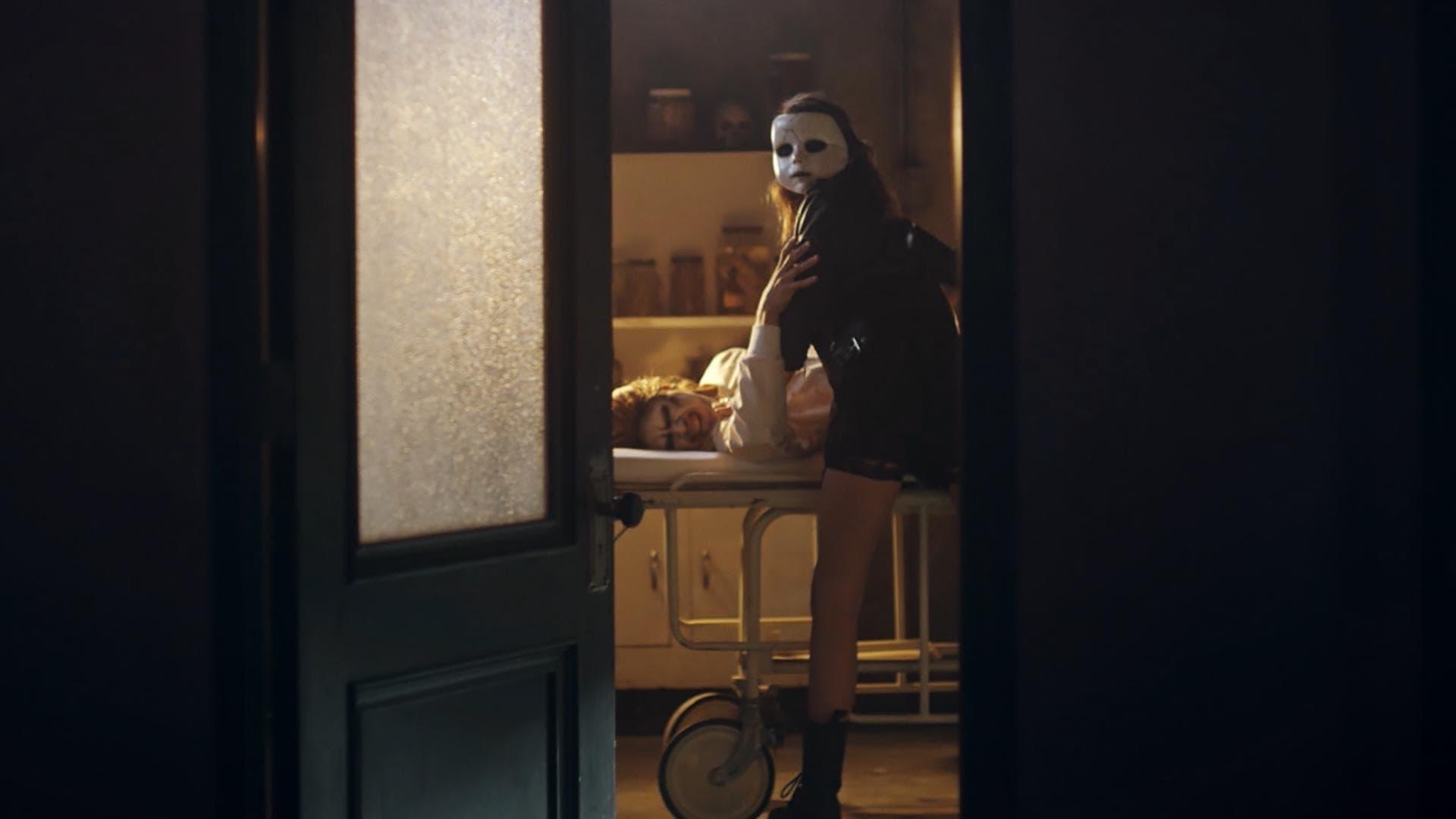American Horror Stories Season 1 :Episode 2  Rubber(wo)Man (2)