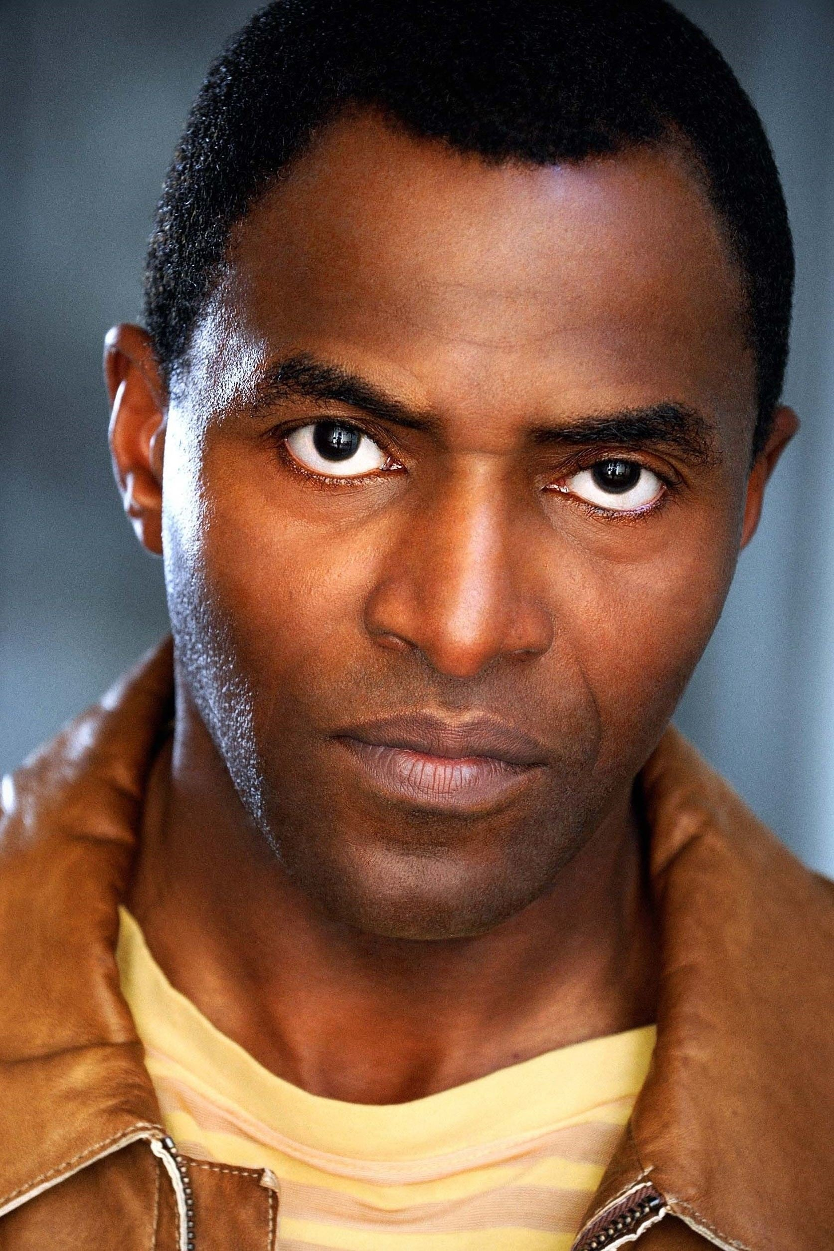 Carl Lumbly / Dick Halloran