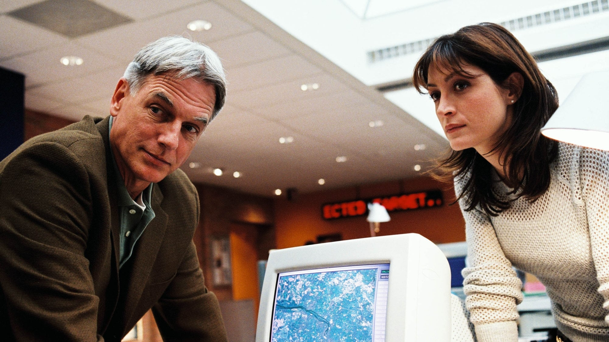 NCIS Season 1 :Episode 7  Sub Rosa