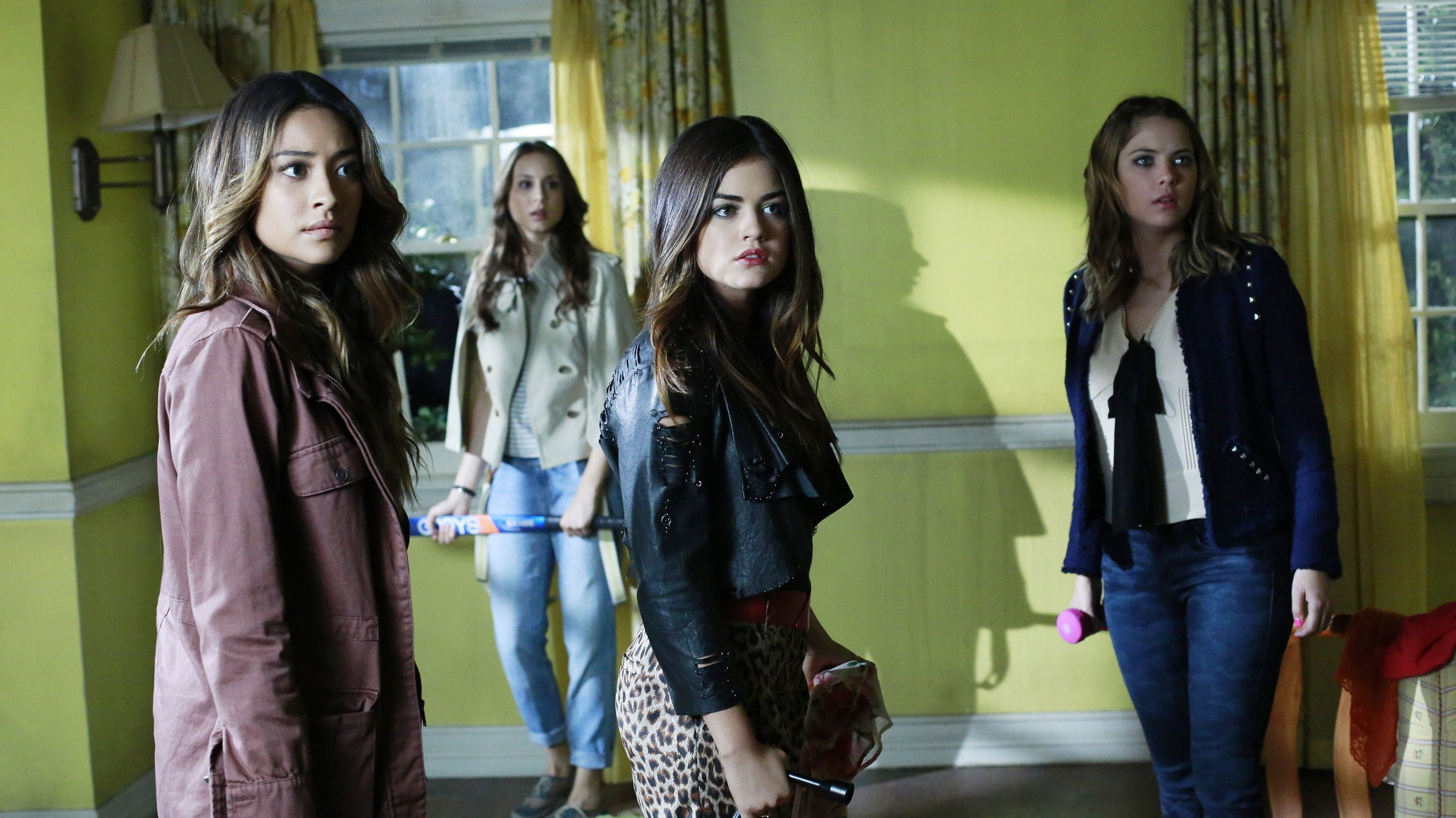 narrative voice in pretty little liars Dialogue is another narrative techniques in pretty little liars that has helped to develop hanna and drive the narrative throughout season 1 hanna and mona talk about hanna's boyfriend, caleb previously, caleb gave mona a letter to give to hanna, but mona ripped it up instead of doing just that.