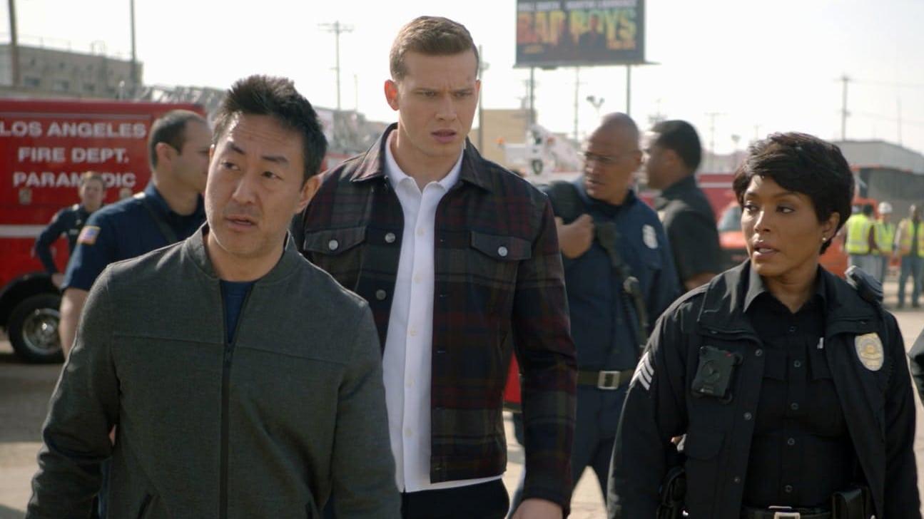 9-1-1 Season 3 :Episode 14  The Taking of Dispatch 9-1-1