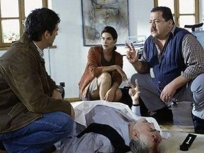 Die Rosenheim-Cops Season 5 :Episode 4  Die zerbrochene Feder