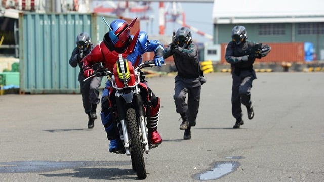 Kamen Rider Season 28 :Episode 2  The Innocent Runaway
