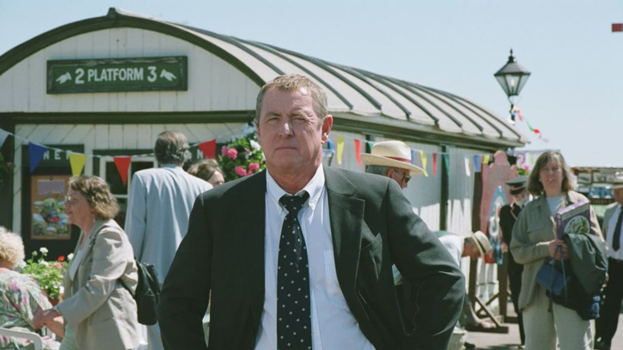 Midsomer Murders Season 8 :Episode 1  Things That Go Bump in the Night