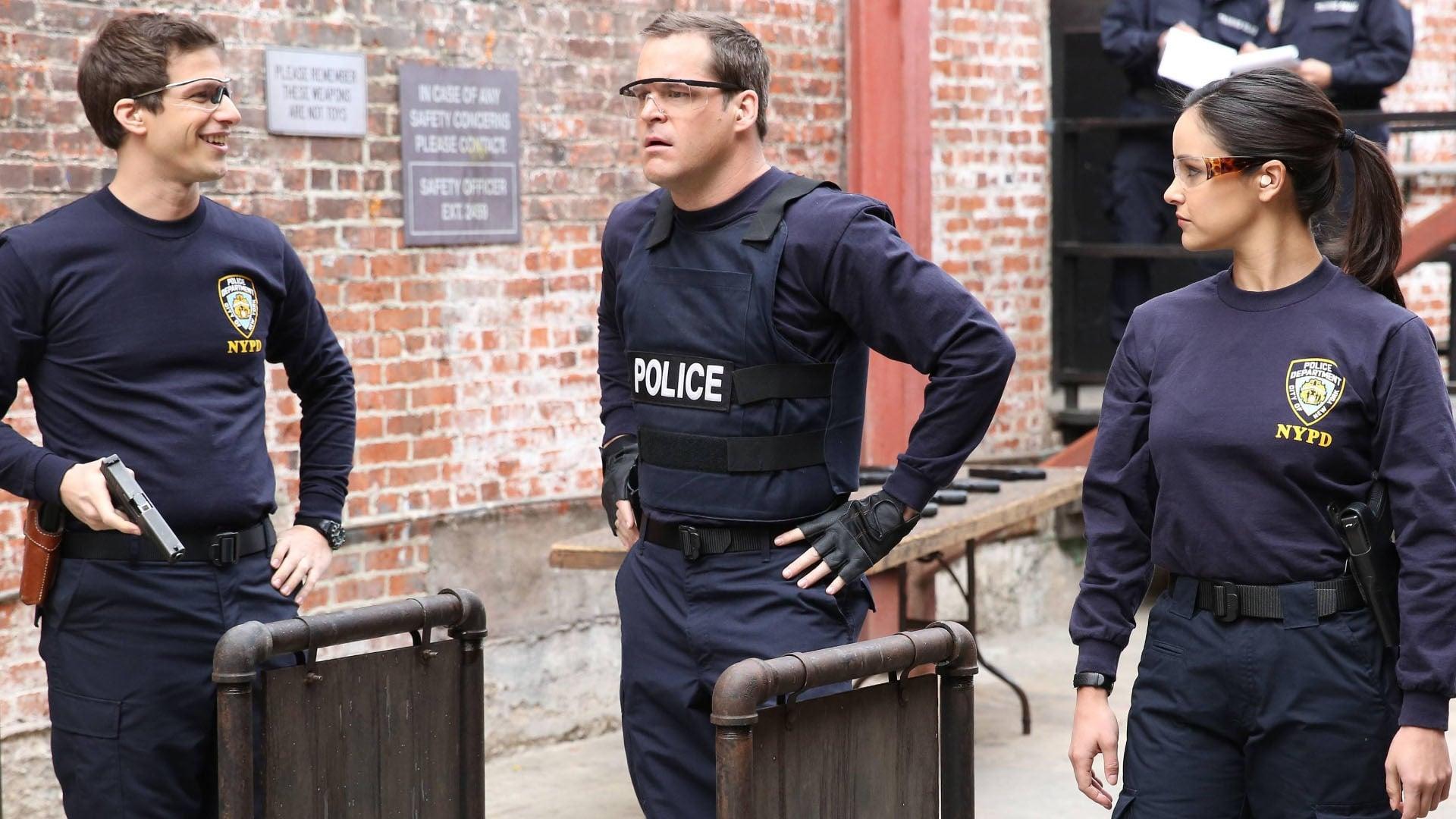 Brooklyn Nine-Nine - Season 1 Episode 19 : Tactical Village
