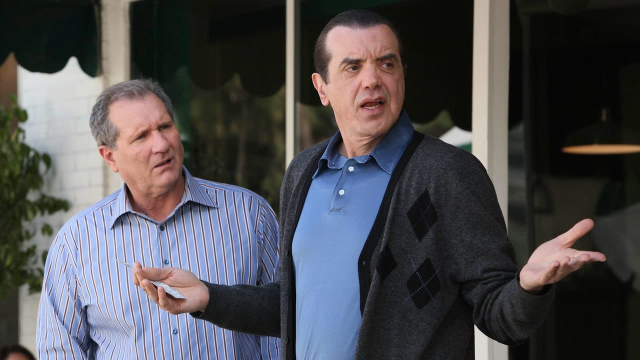 Modern Family Season 1 :Episode 13  Fifteen Percent