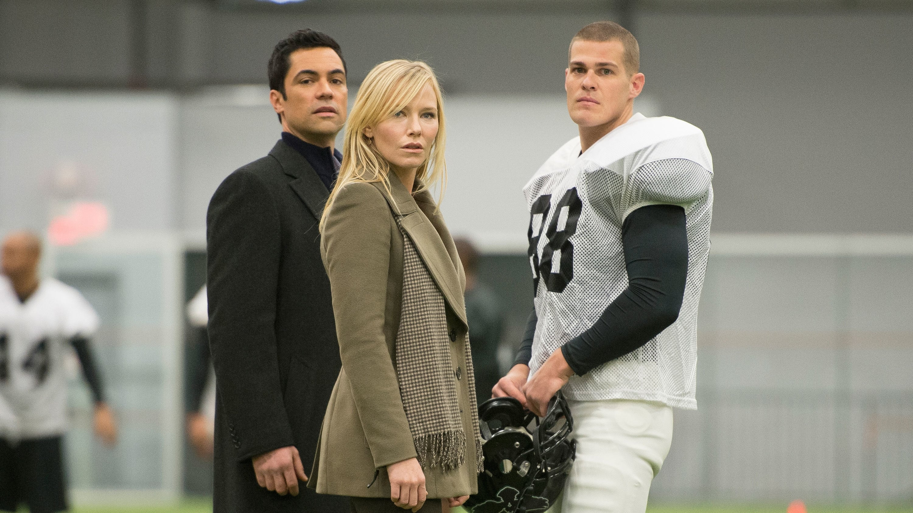 Law & Order: Special Victims Unit - Season 15 Episode 16 : Gridiron Soldier