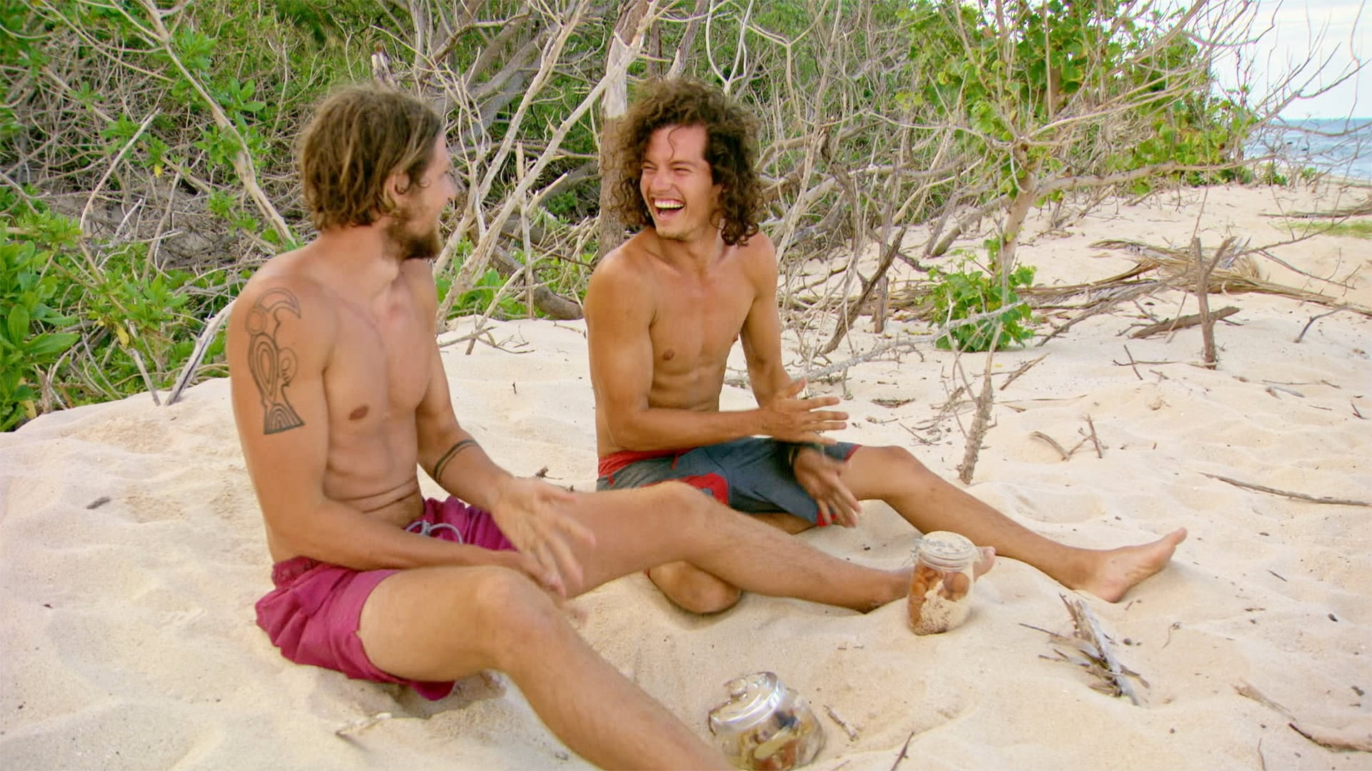 Survivor Season 33 :Episode 9  Still Throwin' Punches