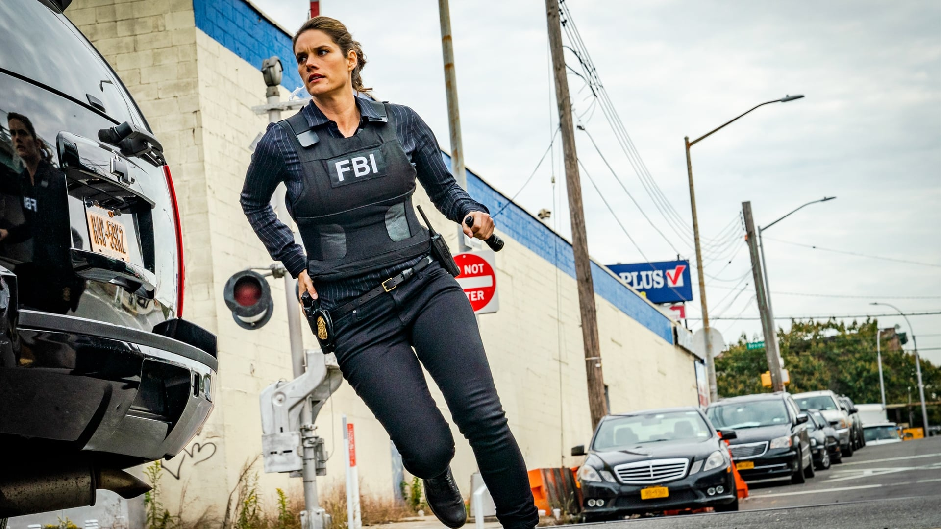 FBI Season 1 :Episode 7  Cops and Robbers