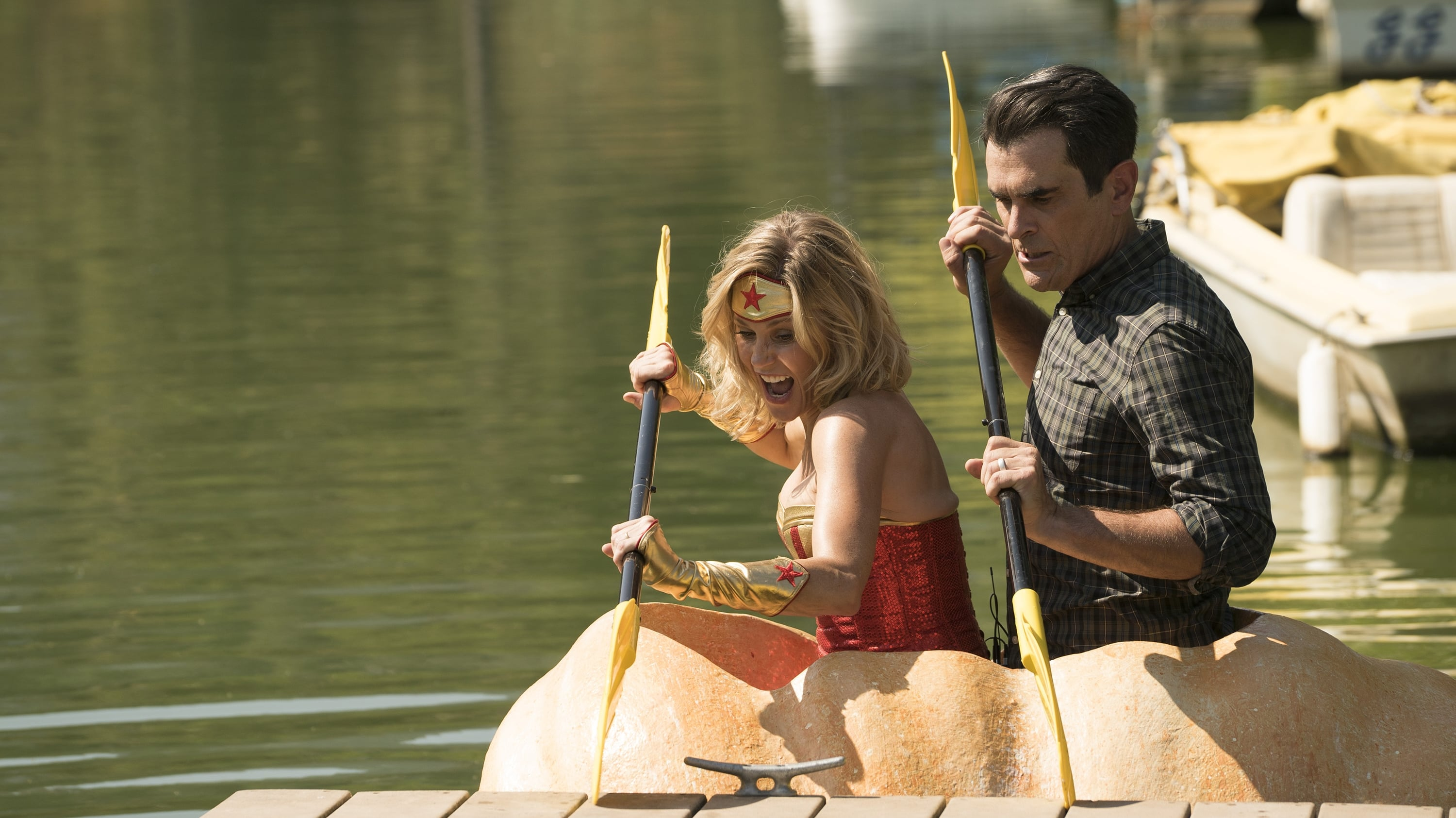 Modern Family - Season 9 Episode 5 : It's the Great Pumpkin, Phil Dunphy