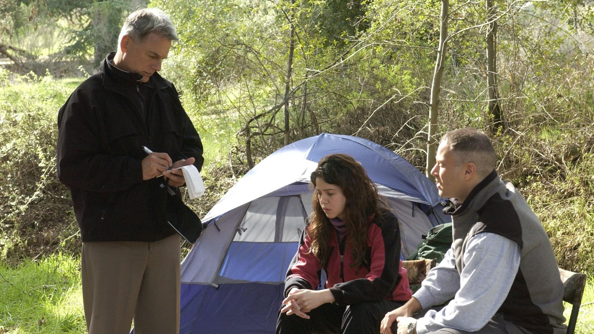 NCIS - Season 2 Episode 15 : Caught on Tape