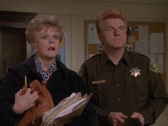 Murder, She Wrote - Season 7 Episode 13 : Moving Violation