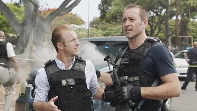Hawaii Five-0 - Season 9 Episode 2 : Ke Kanaka I Ha'ule Mai Ka Lewa Mai (The Man Who Fell From the Sky)
