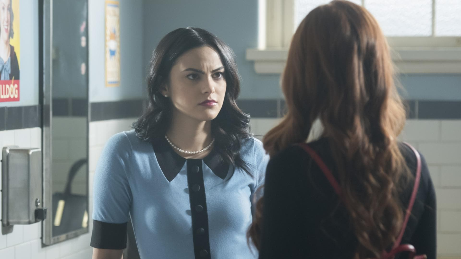 Riverdale - Season 2 Episode 22 : Chapter Thirty-Five: Brave New World (1970)
