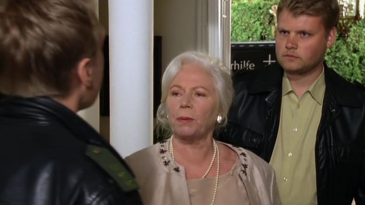 Die Rosenheim-Cops Season 11 :Episode 10  Ein Testament kommt selten allein