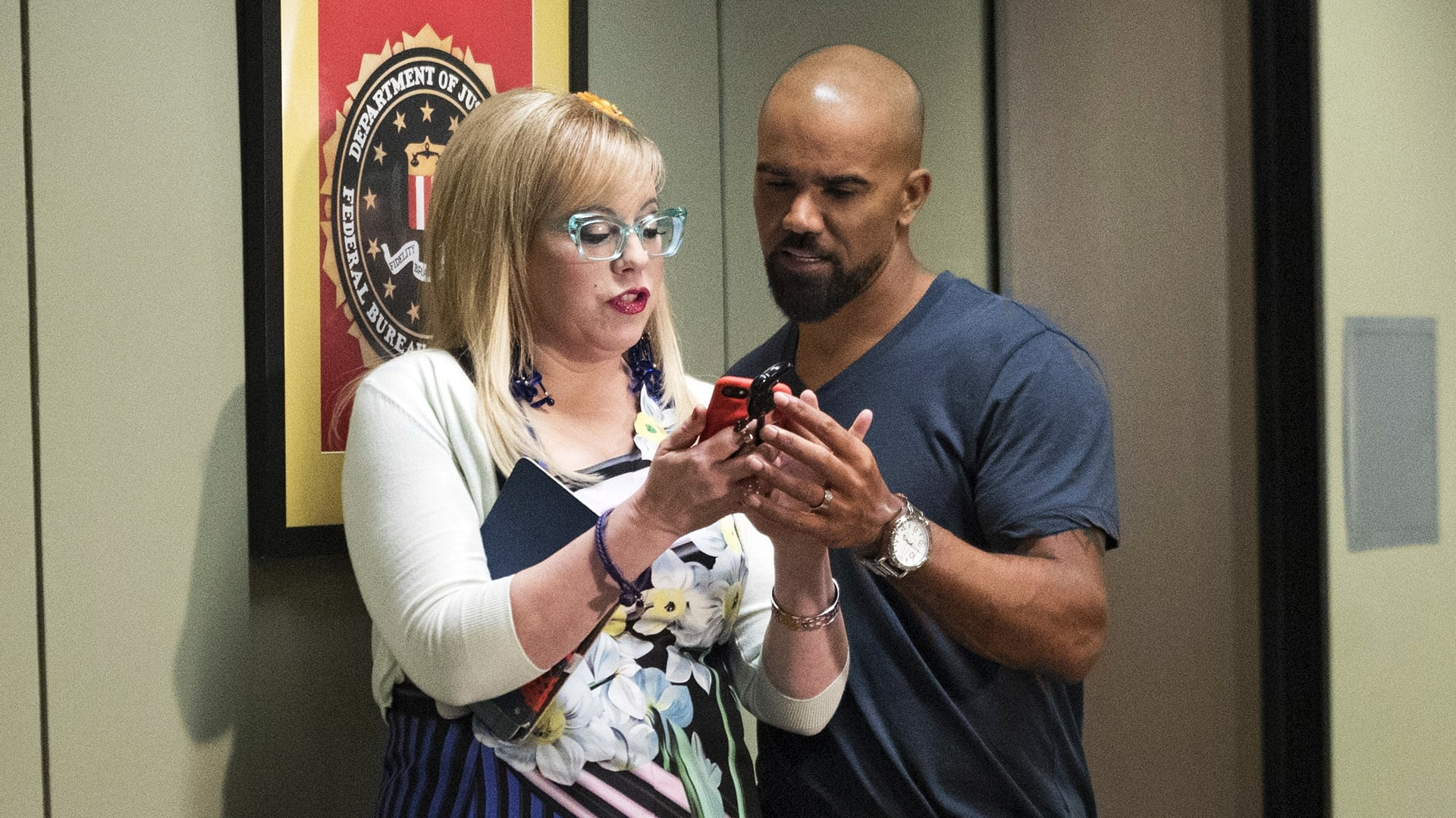 Criminal Minds Season 12 :Episode 22  Red Light