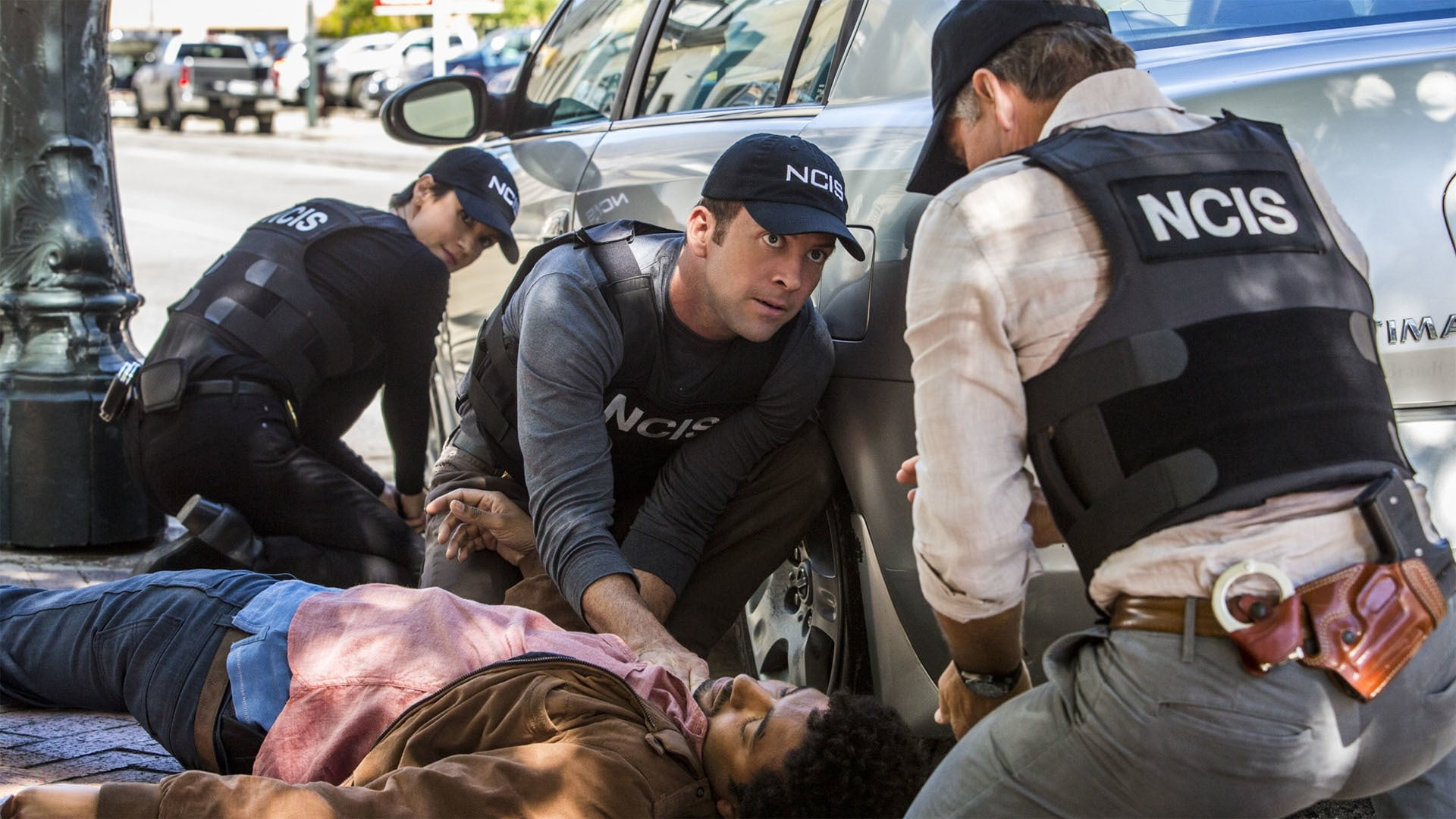 NCIS: New Orleans Season 1 :Episode 8  Love Hurts