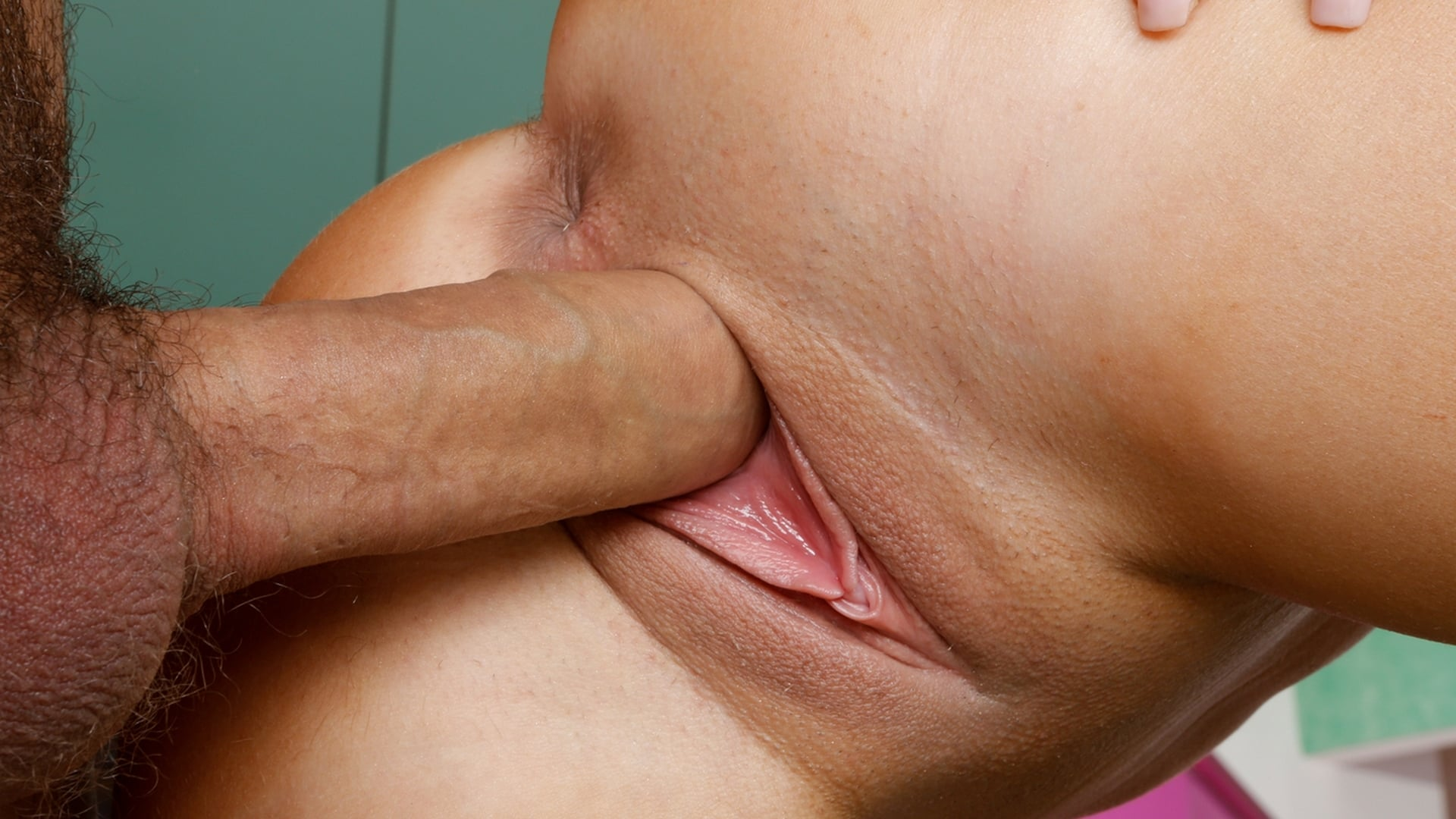 cock-in-between-pussy-lips