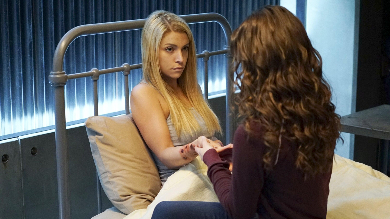 The Vampire Diaries Season 7 :Episode 16  Days of Future Past