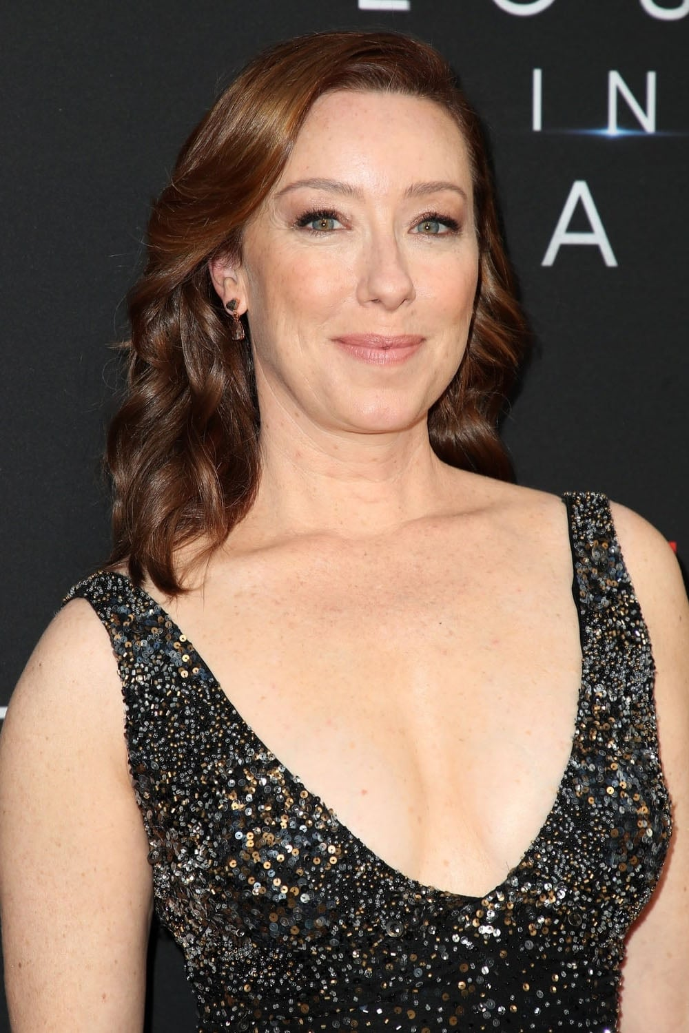 Molly Parker Biography - YIFY TV Series