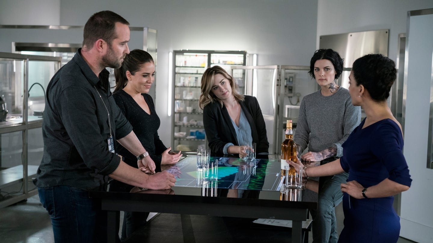 Blindspot Season 2 :Episode 18  Senile Lines