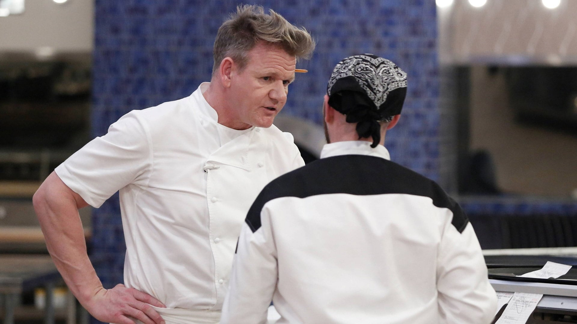 Watch hell 39 s kitchen season 16 episode 14 playing your for Watch hell s kitchen season 16