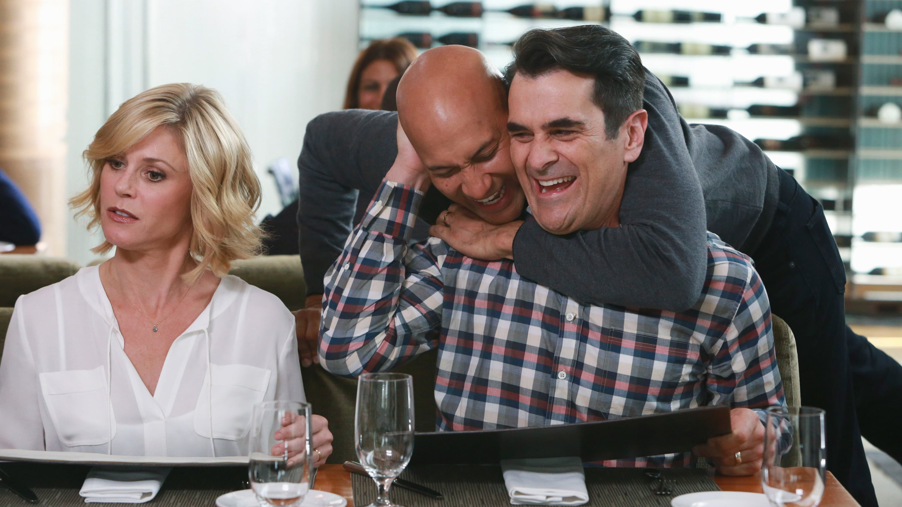 Modern Family Season 7 :Episode 10  Playdates