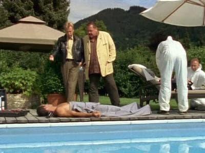 Die Rosenheim-Cops Season 8 :Episode 13  Der Tod coacht mit