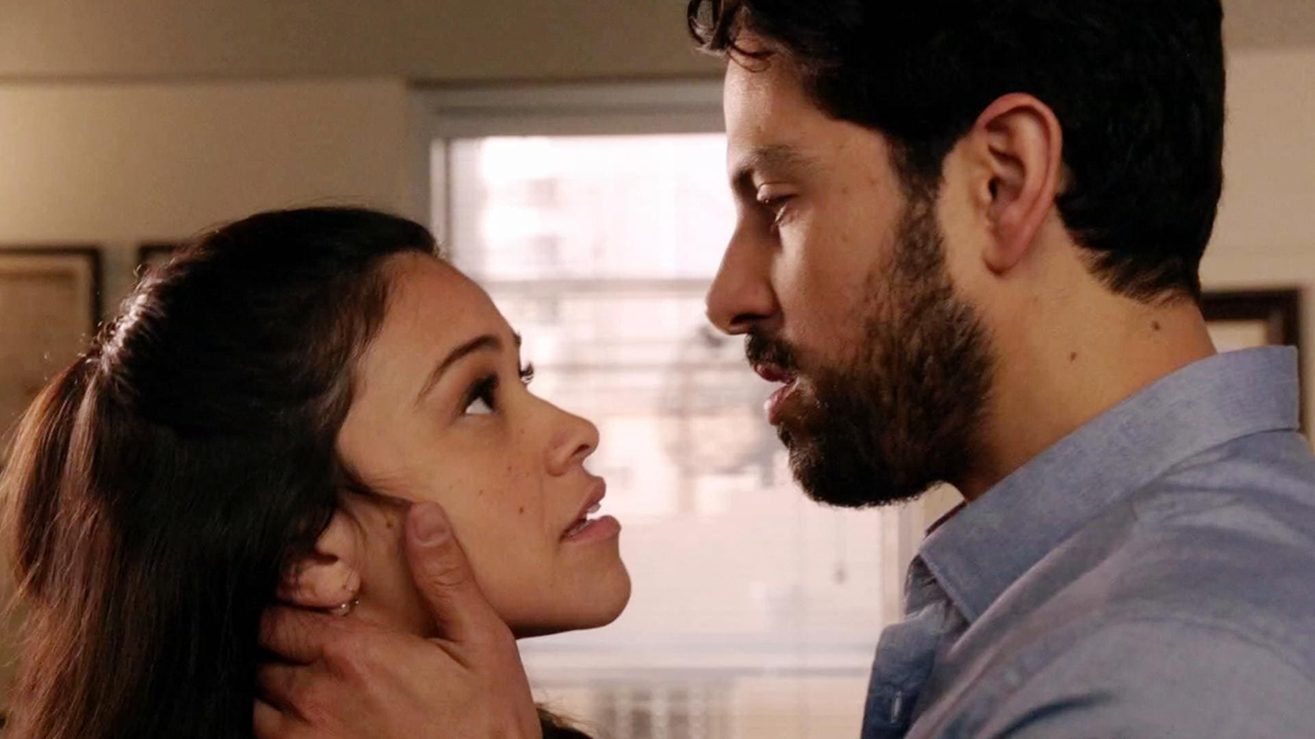 Jane the Virgin Season 2 :Episode 10  Chapter Thirty-Two