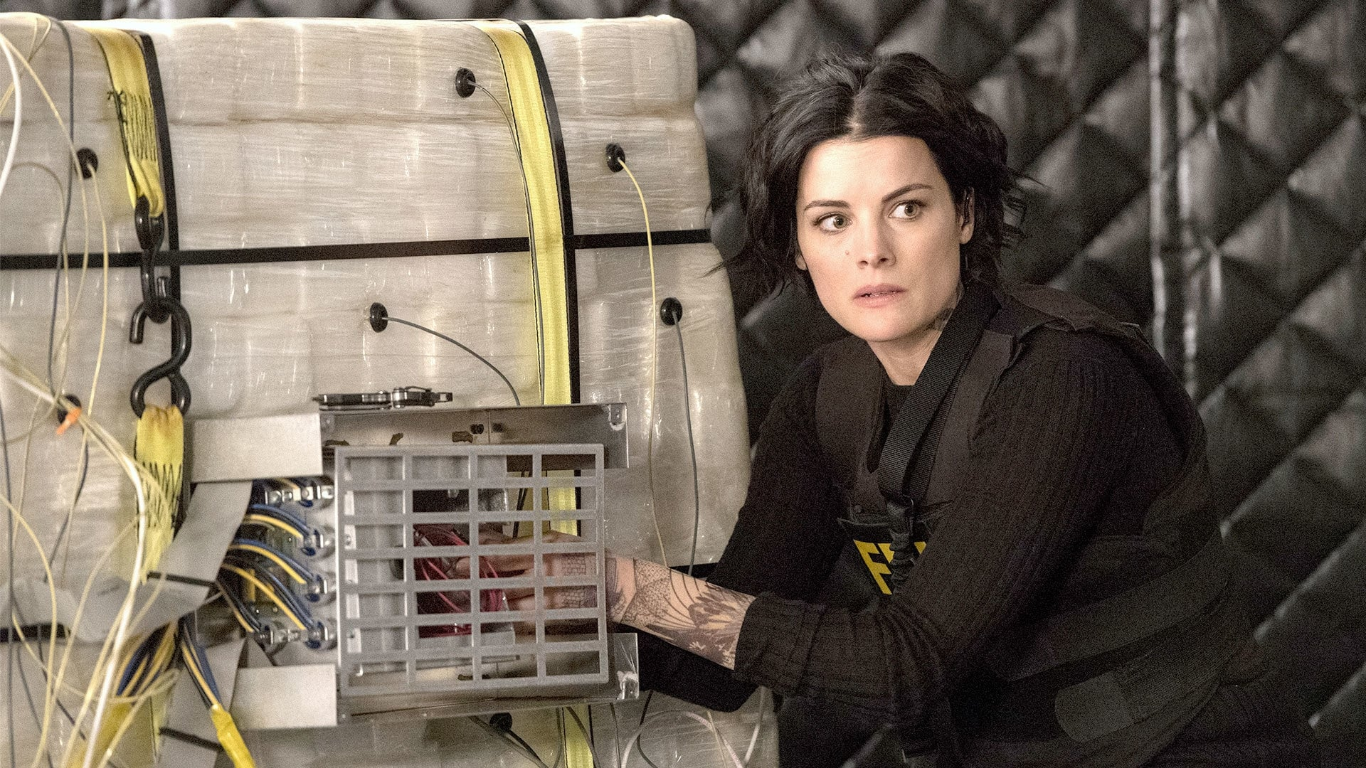 Blindspot Season 2 :Episode 21  Mom