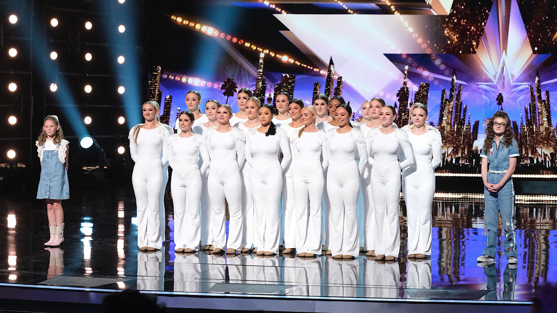 America's Got Talent - Season 14 Episode 13 : Live Results 1