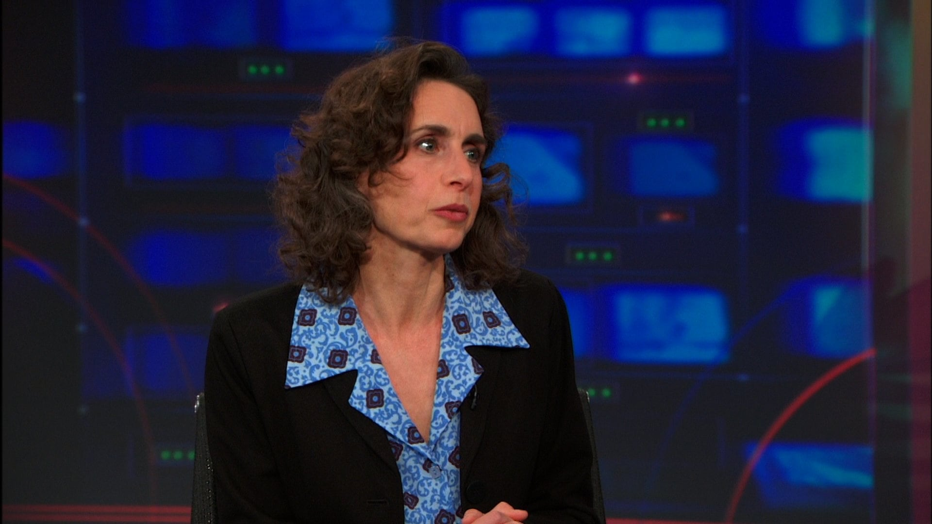 The Daily Show with Trevor Noah - Season 19 Episode 62 : Elizabeth Kolbert
