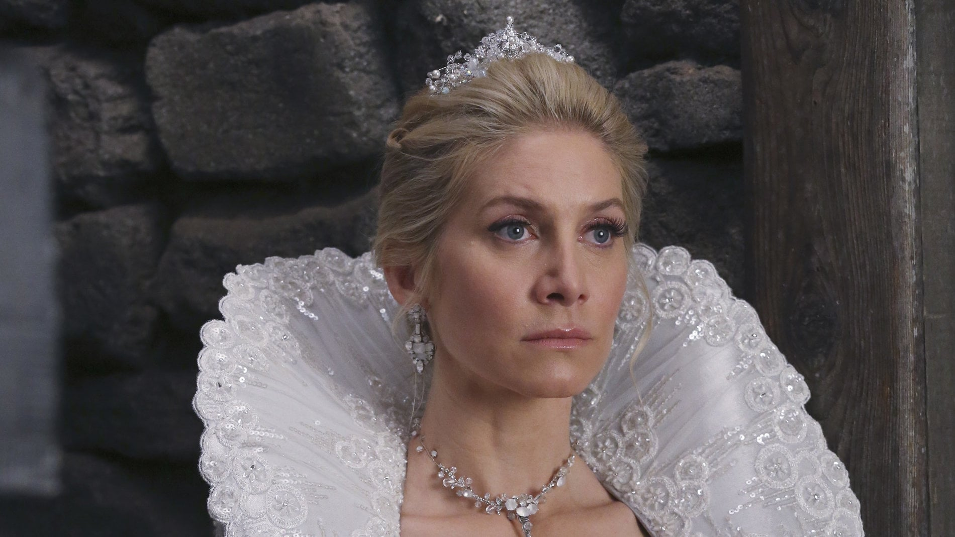 Once Upon a Time Season 4 :Episode 6  Family Business