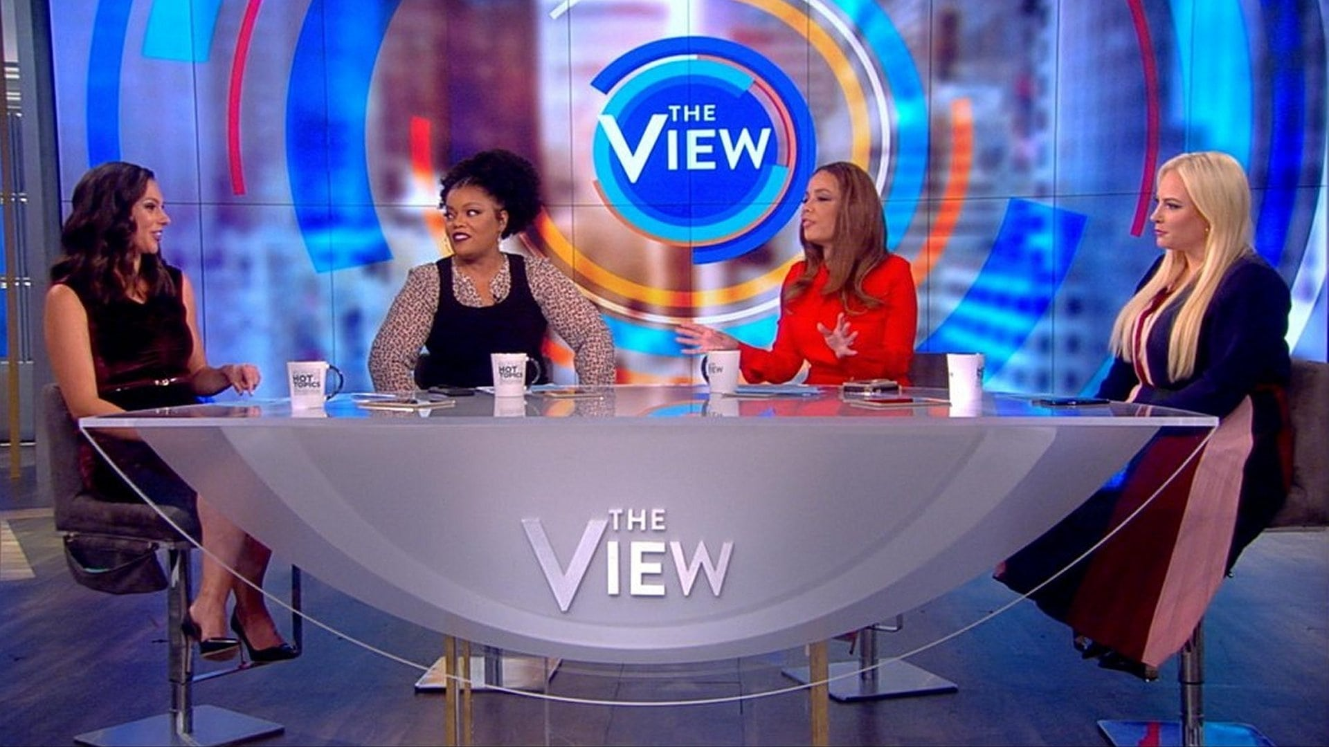 The View Season 22 :Episode 28  Amanda Peet and Thomas Llamas