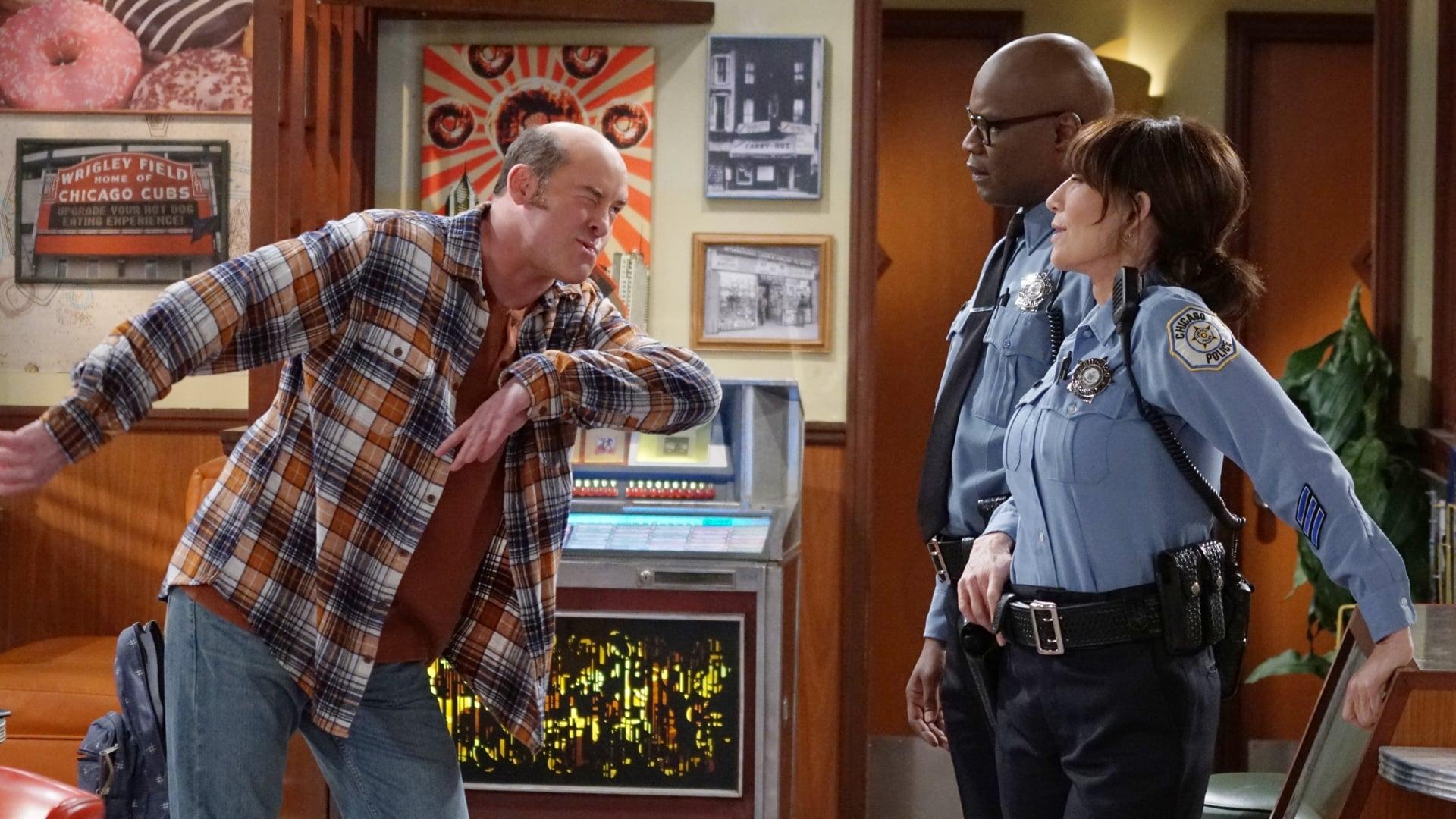 Superior Donuts - Season 1 Episode 3 : Crime Time