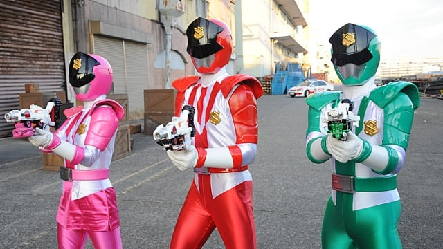 Super Sentai Season 42 :Episode 2  Global Police, Give Chase