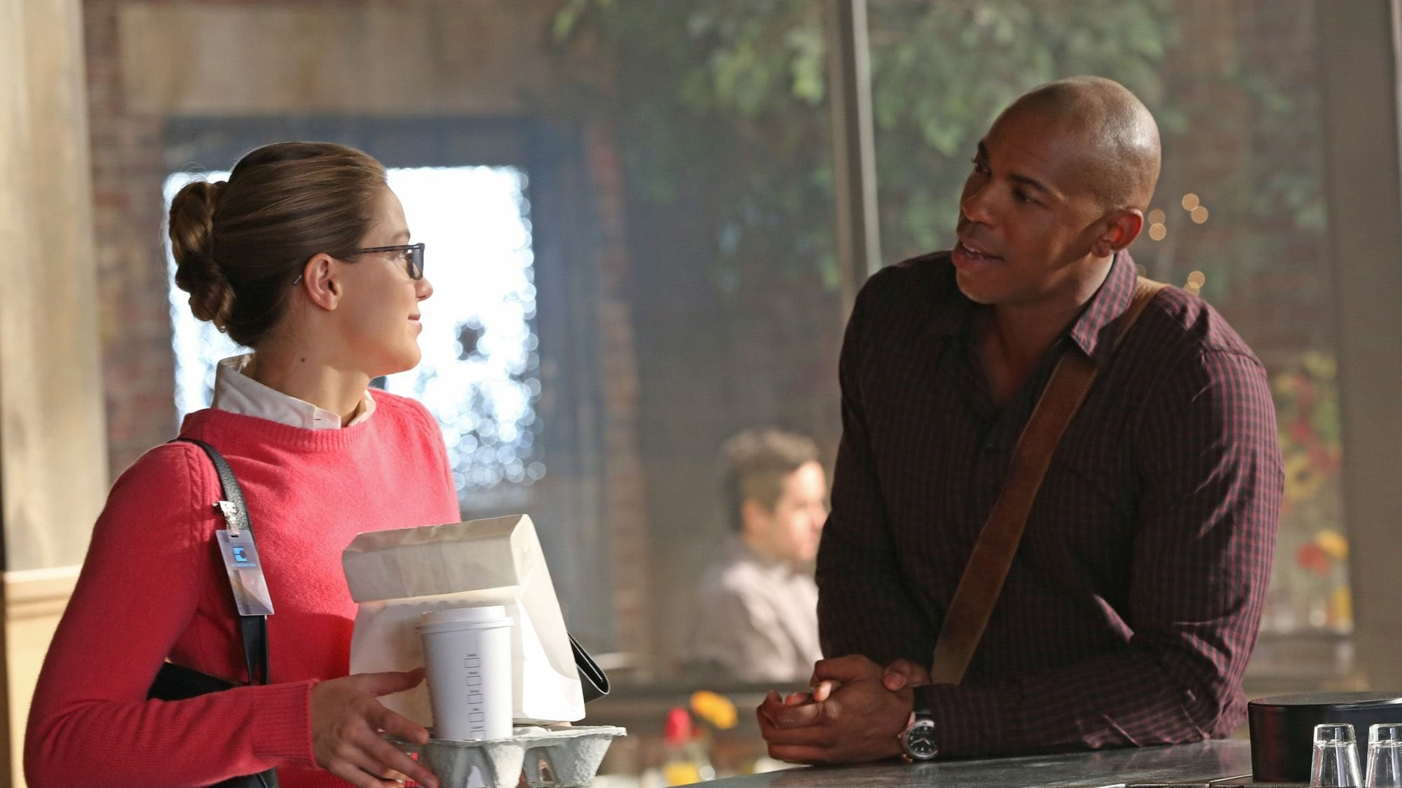 Supergirl - Season 1 Episode 6 : Red Faced