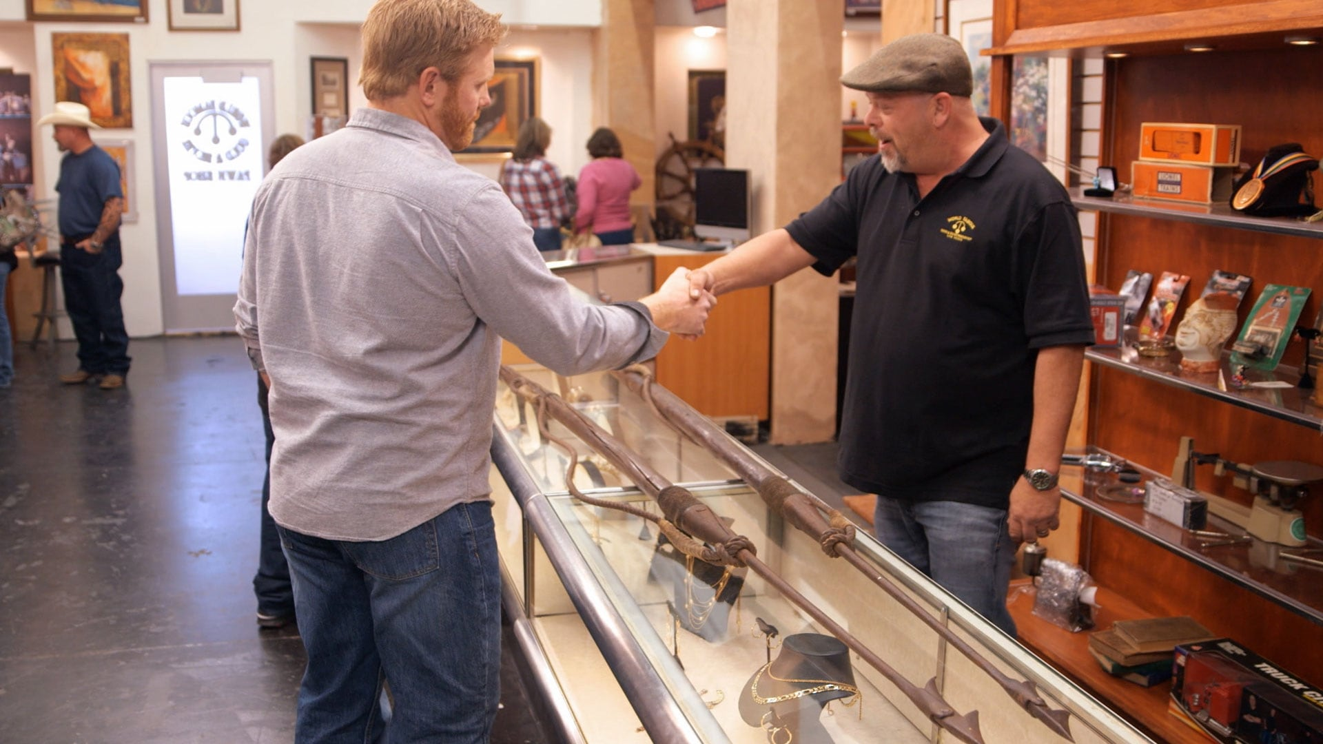 Pawn Stars Season 14 :Episode 10  Thar She Pawns!