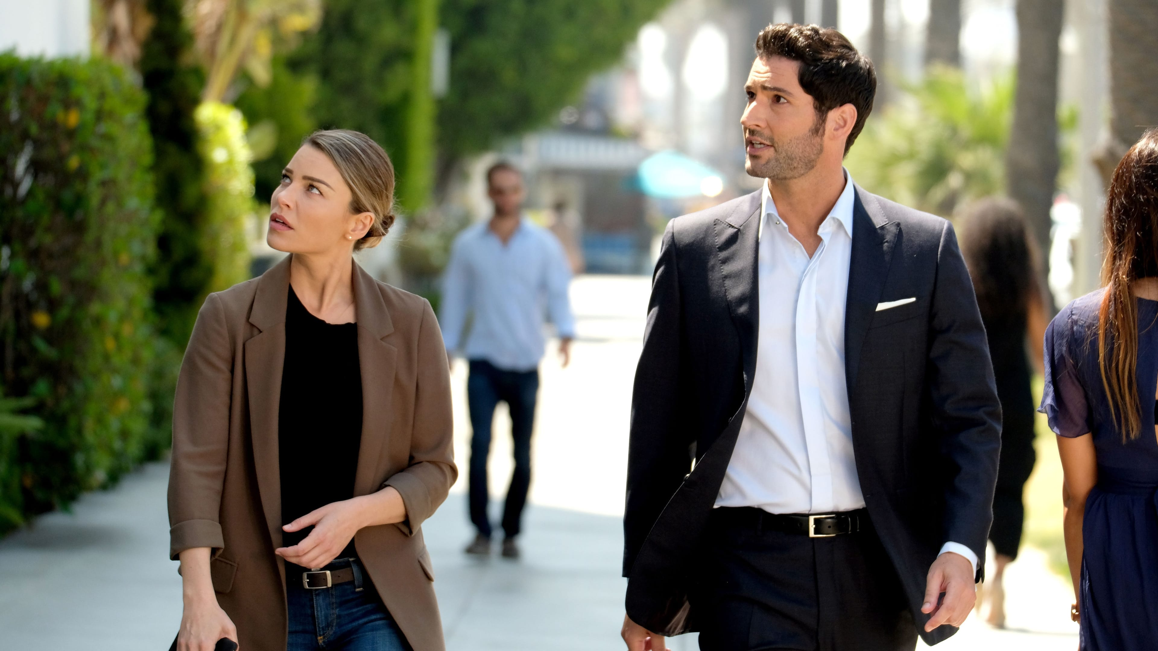Lucifer Season 3 :Episode 1  They're Back, Aren't They?