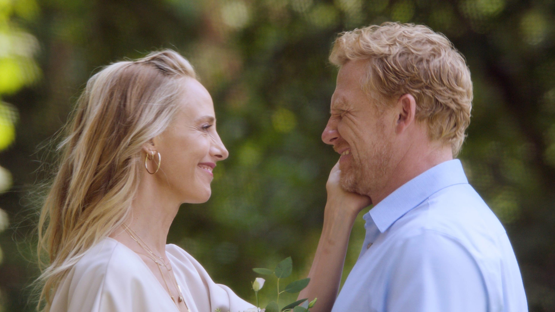 Grey's Anatomy Season 18 :Episode 1  Here Comes the Sun (II)