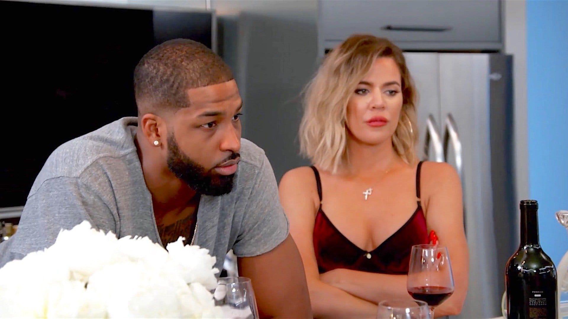 Keeping Up with the Kardashians - Season 14 Episode 6 : Fan-Friction