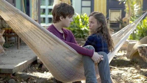 Terra Nova: Season 1 x Episode 5 - free to watch online