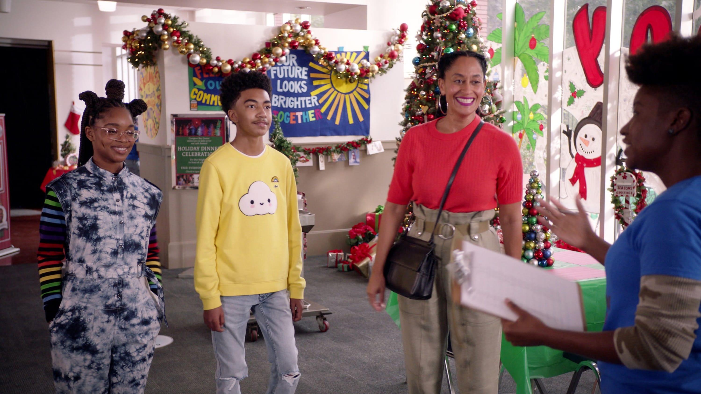 black-ish Season 7 :Episode 8  Compton Around the Christmas Tree
