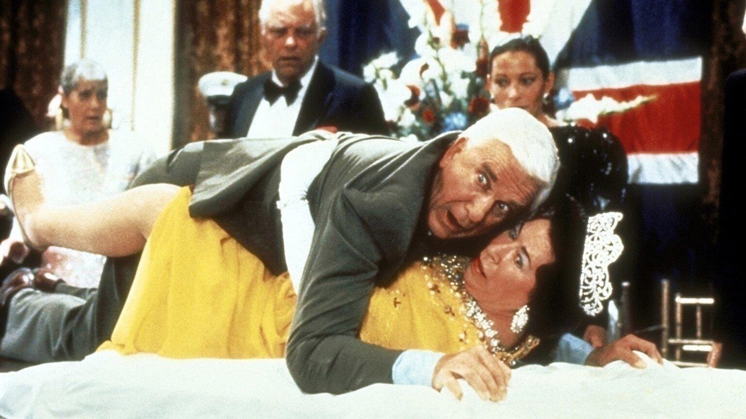 Y a-t-il un flic pour sauver la reine ? (1988)