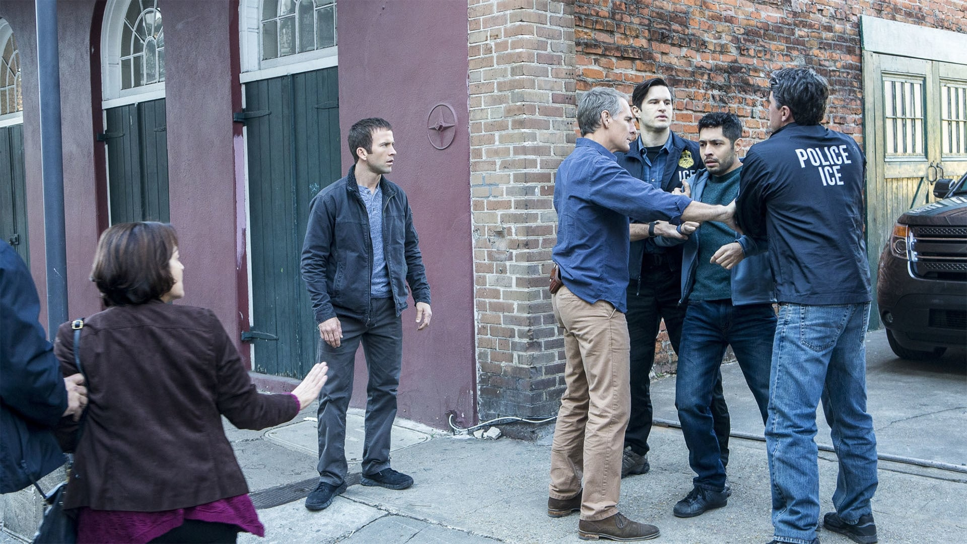 NCIS: New Orleans Season 2 :Episode 13  Undocumented