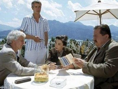 Die Rosenheim-Cops Season 4 :Episode 10  Mord im Paradies