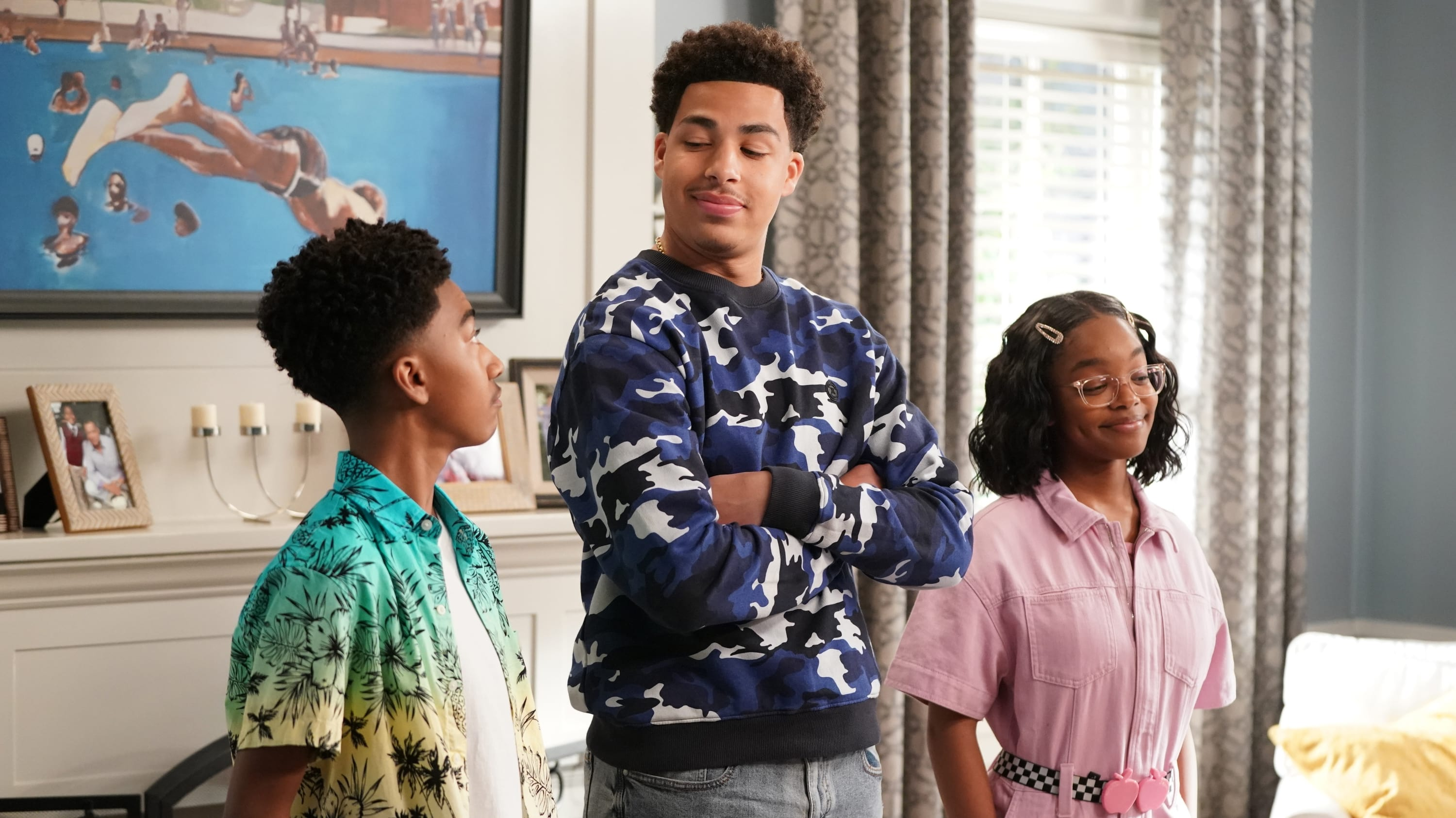 black-ish Season 6 :Episode 20  A Game of Chicken